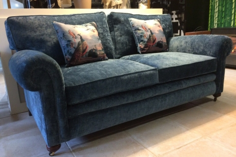Diana Disharm Sofa